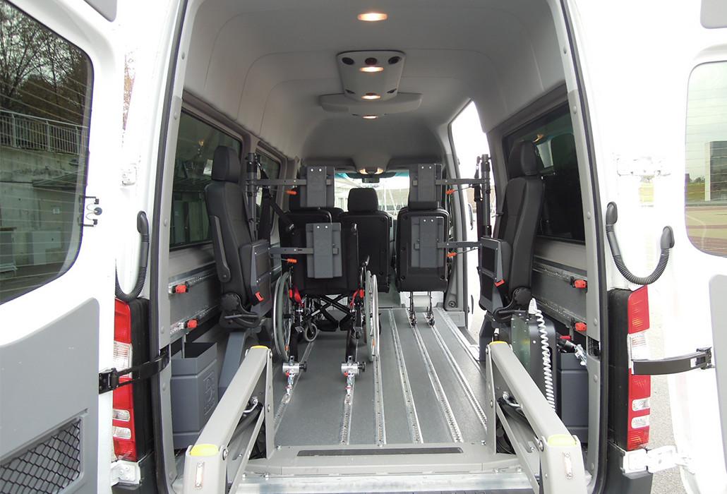 Orthotec Fahrzeugumbau Fahren im Rollstuhl Smartfloor