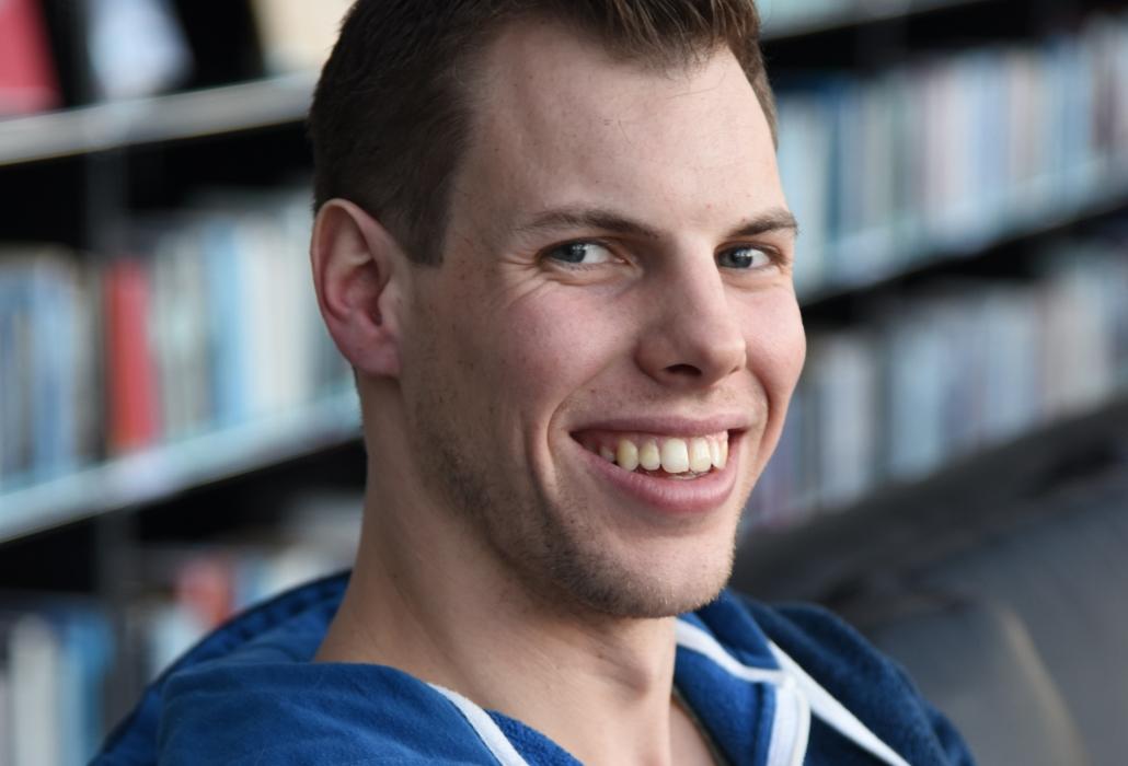 Der 24-jährige querschnittgelähmte Samuel Kasper hat durch den Unfall gelernt, auch mit Rollstuhl die Kleinigkeiten im Leben zu schätzen.