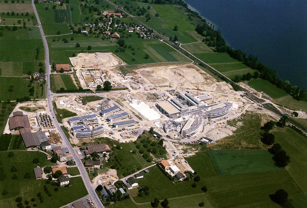 Luftaufnahme der Bauphase rund ums Schweizer Paraplegiker-Zentrum im Jahr 1989