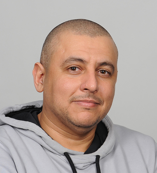 Hicham Elmerghini, Assistenzarzt