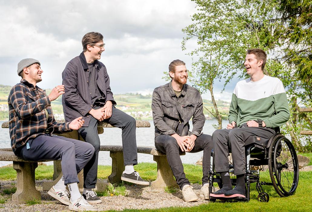 Kopfsprung in den See Schweizer Paraplegiker-Stiftung