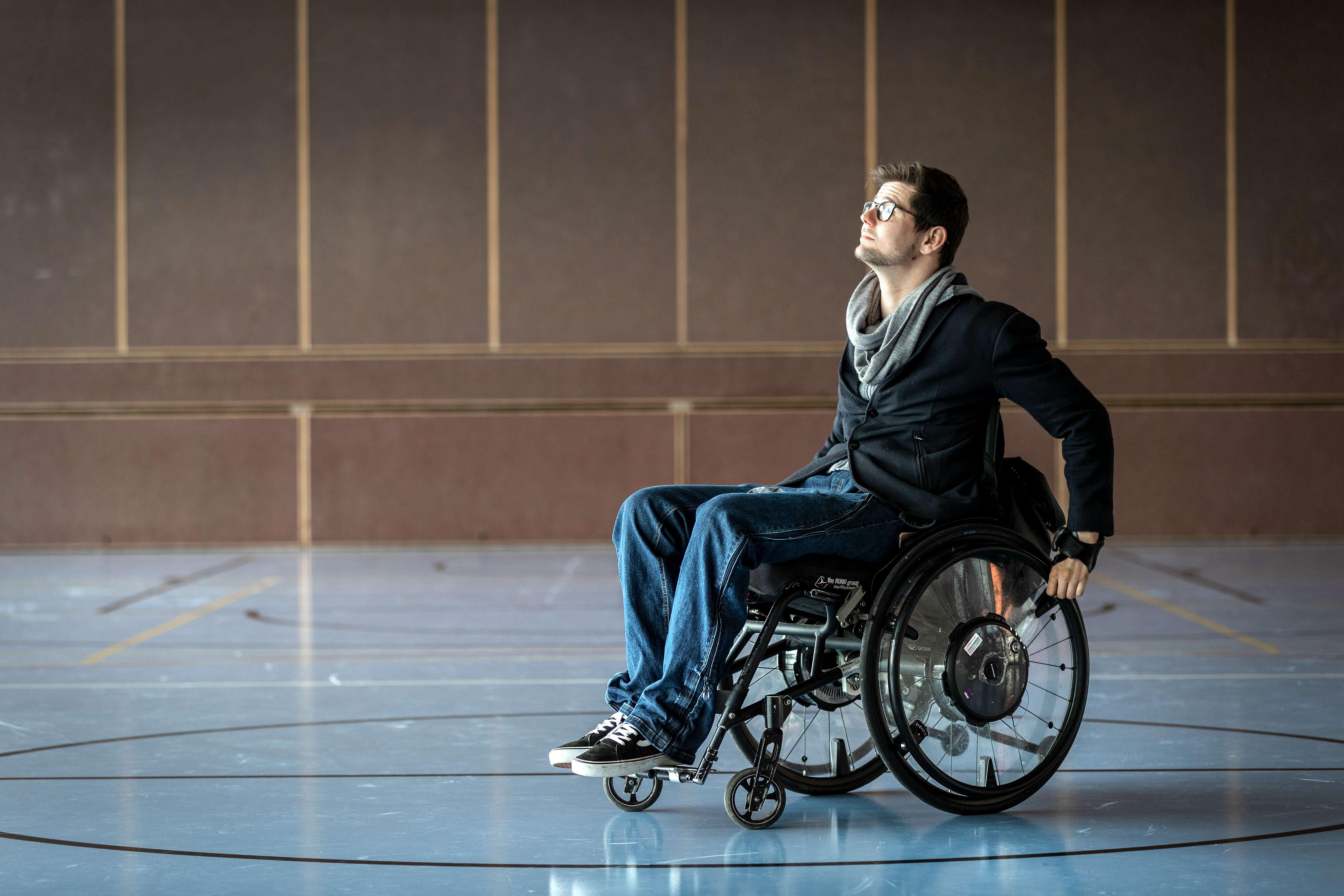 Antoine Barizzi in der Turnhalle