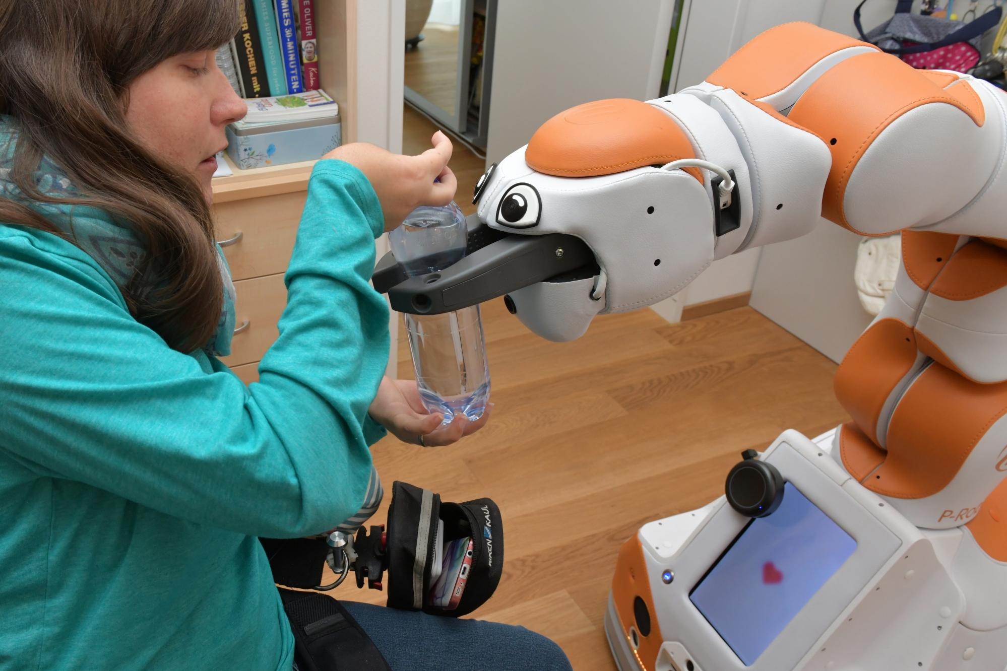 Assistenzroboter Lio Schweizer Paraplegiker-Stiftung