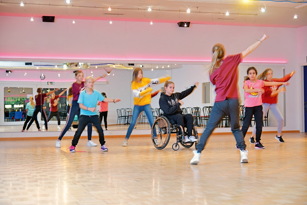 Zoe Frei beim Tanzen im Rollstuhl