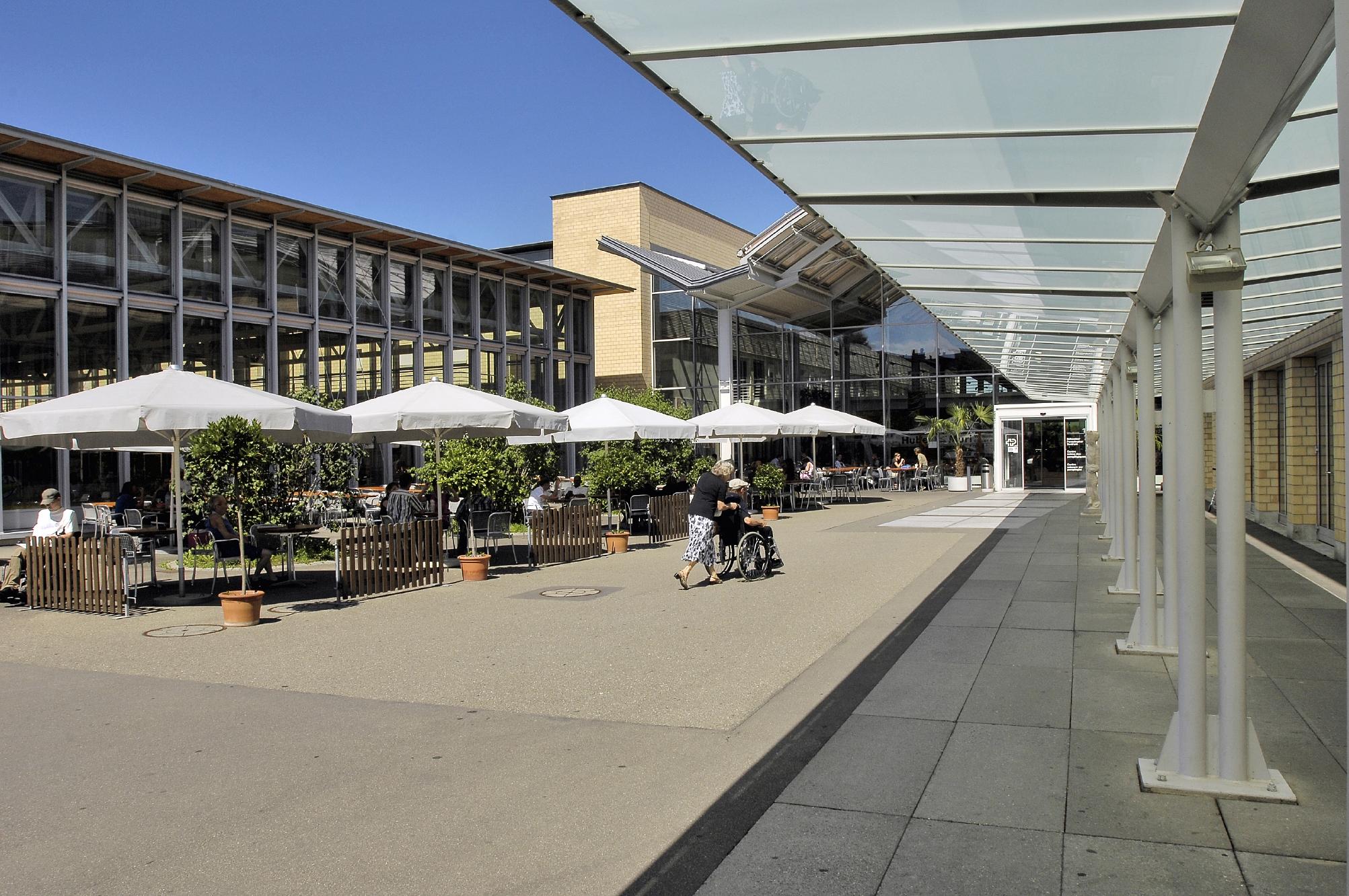 Eingang_Schweizer_Parplegiker-Zentrum