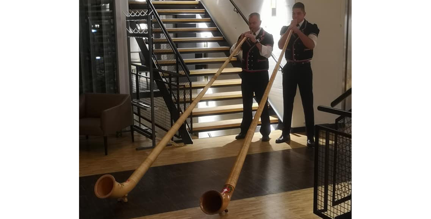 Traditional swiss music - Alphorn