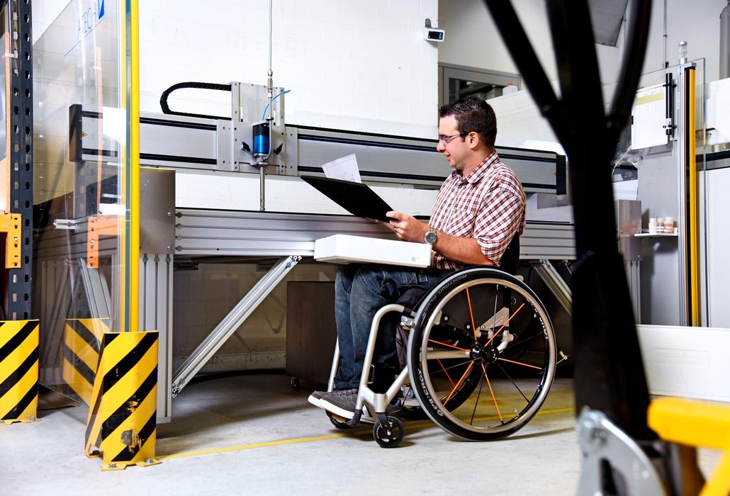 Rollstuhlgerechter Arbeitsplatz