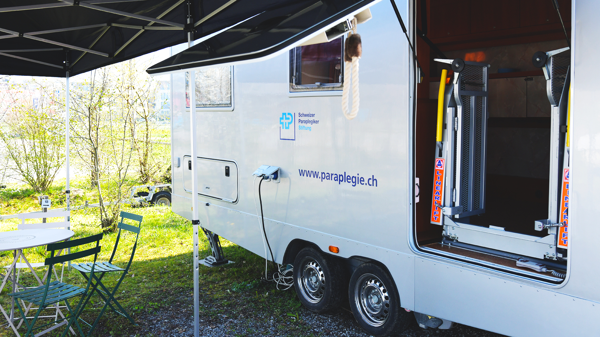Barrierefreier Wohnwagen der Schweizer Paraplegiker-Stiftung