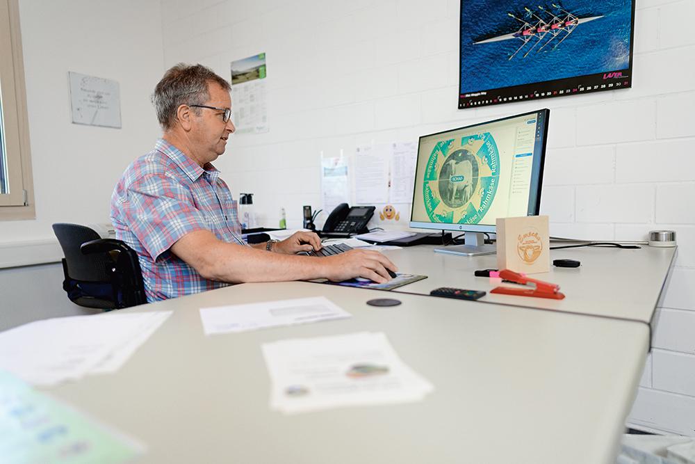 Peter Hofstetter im Büro