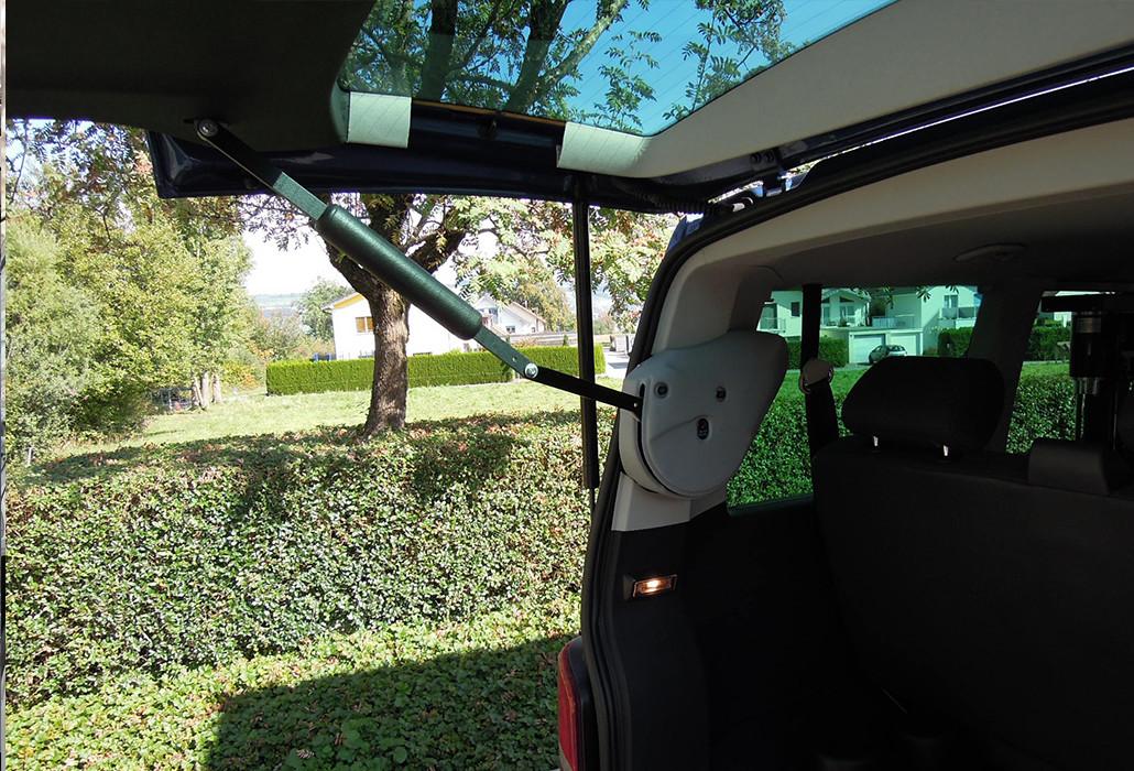 Orthotec Fahrzeugumbau Rollstuhl verladen Automatischer Heckdeckelöffner