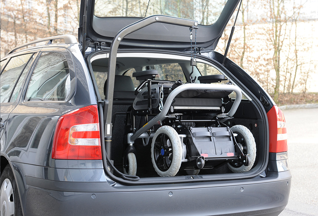 Orthotec Fahrzeugumbau Rollstuhl verladen Kofferraumlift 5159