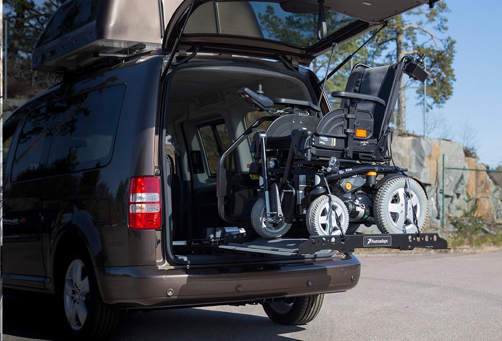 Orthotec Fahrzeugumbau Rollstuhl verladenRollstuhlverladeplattform