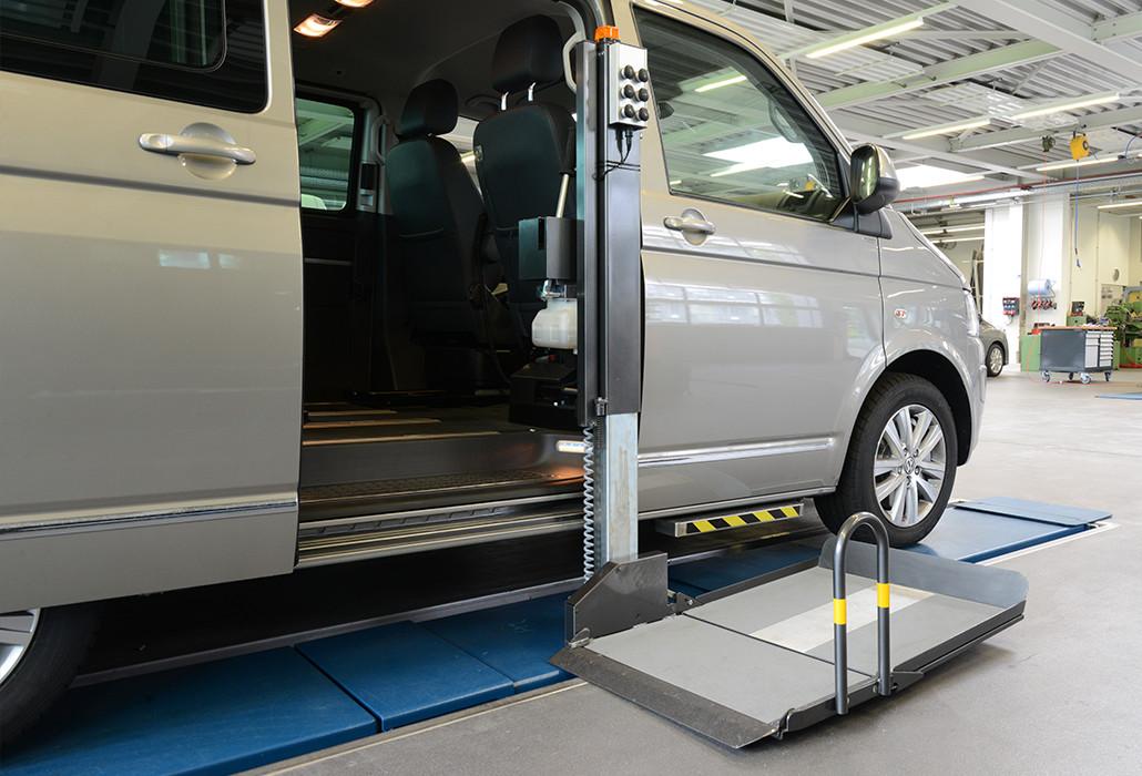 Orthotec Fahrzeugumbau Rollstuhllifte Schwenklift