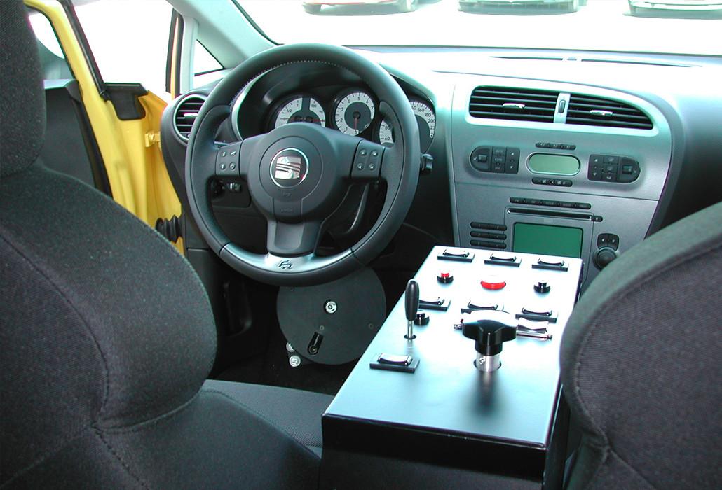 Orthotec Fahrzeugumbau Selber fahren Fusslenkung