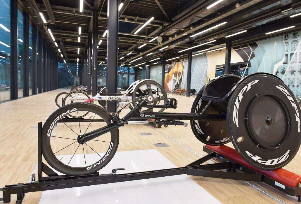 rollen-trainingshalle-innen-schweizer-paraplegiker-zentrum