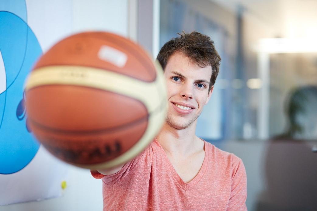 Der Gesundheit zu liebe muss der querschnittgelähmte Berner momentan darauf verzichten, Rollstuhlbasketball zu spielen.