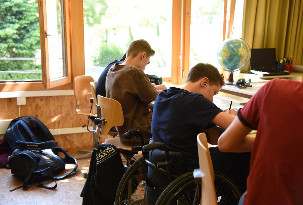 Schule im Rollstuhl