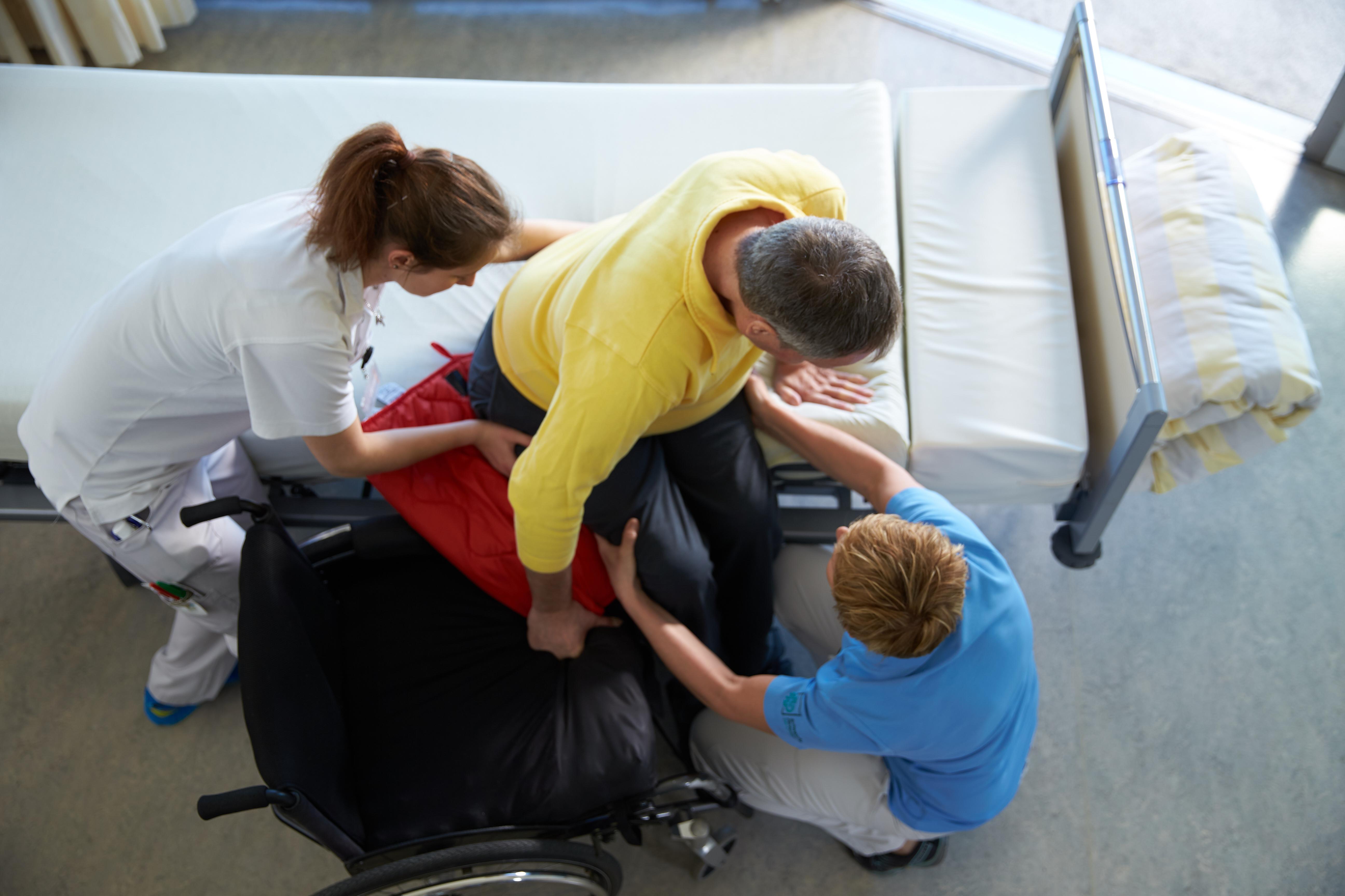 Centro svizzero per paraplegici_trasferimento in auto